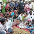 YS Sharmila questions CM KCR behalf of farmers