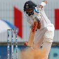 Virat Kohli Fights Lone Battle