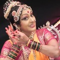 Chiranjeevi pays tributes to Shobha Naidu