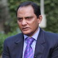 Azharuddin escapes from accidents with small injuries