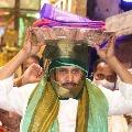 Jagan offers prayers at Tirumala