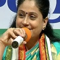Congress leader Vijayashanti ready to fight in Dubbaka