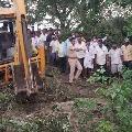 Jeep falls in well in Warangal district