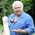 Wicket keeping legend Farukh Engineer supports Sunil Gavaskar