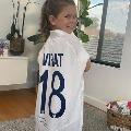 davidwarner daughter receives gift fromkohli