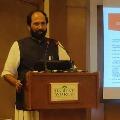 Uttam Kumar Reddy take a dig at centre and Telangana government over Fasal Beema