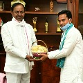 Apple farmer Balaji met CM KCR