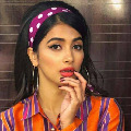 Pooja Hegde plays as standup commedian