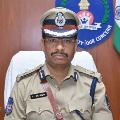 CP Sajjanar paid tributes to a constable officer