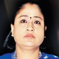 Vijayashanthi fires on KCR