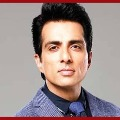 Bollywood actor Sonu Sood received padma seva award from carpenter