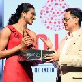 Badminton star PV Sindhu wins TOI sports award