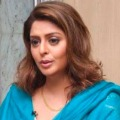 Netigens lashes out Congress leader Nagma for supporting Pak journalist