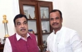 Congress MP komatireddy Venkatreddy meets Union minister Gadkari