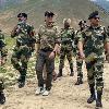 Hero Akshay Kumar visits BSF Jawans camp at borders
