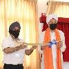 Singapore PM attends inauguration of a Gurudwara in Sikh getup