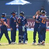 Teamindia rattles Sri Lanka top order in Colombo ODI