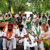 Kisan Parliament Starts with Paying Tributes to Farmers Those who Take Lives