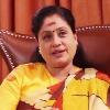 Vijayashanthi fires on KCR