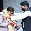 No issues with Sonia and Rahul Gandhi says Sushmita Dev