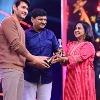 Mahesh Babu takes best actor award in SIIMA