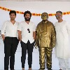 AlluRamalingaiah statue was unveiled by his grandsons