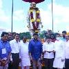 Allu Arjun thanked Chiranjeevi for unveiling Allu Ramalingaiah statue in Rajahmundry