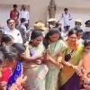 tamilisai participates in bathukamma festival