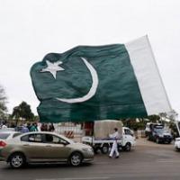 pak people protest against imran khan demand resignation