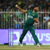 Pakistan bowlers once again fires