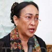 Sukmawati Soekarnoputri adopts Hindu religion