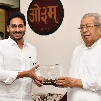CM Jagan and YS Bharathi met governor couple in Raj Bhavan