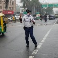 Traffic Conistable in Madhya Pradesh Turned into Local Celebrity with his Style of Duty