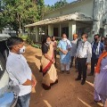 Union Minister of state Renuka Singh warns officials in quarantine center