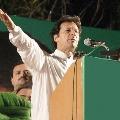 Imran Khan explains smart lockdown