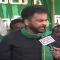 Actor Sivaji visits Amaravati farmers protests camp