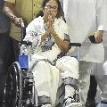 Car door caused injury to Mamata Banerjees leg