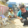 Actor Mansoor Ali Khan goes different style in election campaign