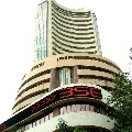 stock markets close weekend in red