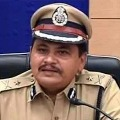 Hyderabad police strict action on maskless people