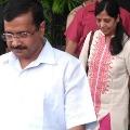 Delhi CM Kejriwal wife Sunitha tested corona positive