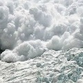 8 Killed and 6 Critically injured after Avalanche in Uttarakhand