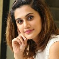 Bollywood Actress Taapsee Pannu warn Netizen over his advice