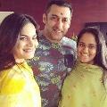 Salman Khan said his sisters Alvira and Arpitha tested corona positive