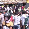 Public Flout Social Distance Norms In Secunderabad Monda Market