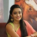 Sonu Sood appreciates anchor Vindhya Visakha