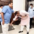 Bollywood actor Sanjay Dutt met union minister Nitin Gadkari in Nagpur
