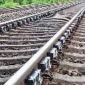 Chhattisgarh woman jumps infront of train with 5 kids