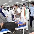 Uttam Kumar Reddy demands KCR must build a new building in Osmania hospital