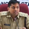 disha father and mother meet police